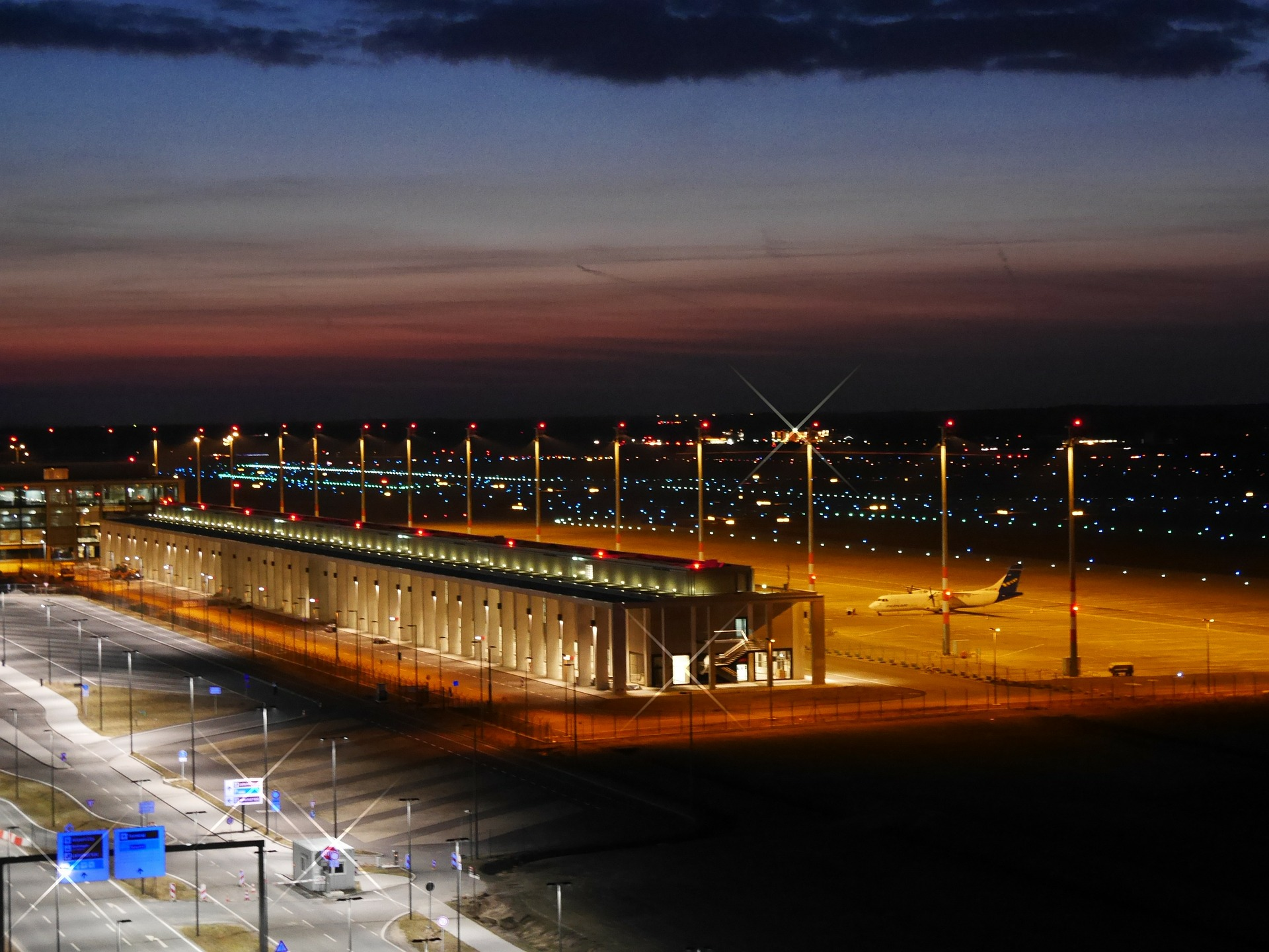 Aerodrom Berlin - Red letenja   Abago